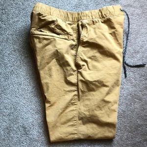 American eagle men's khaki jogger pants